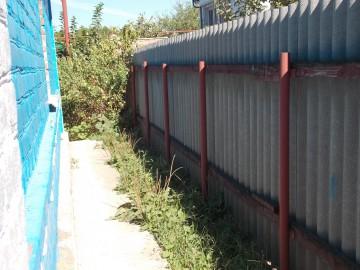 Минимальное расстояние до границы соседнего садового участка по санитарно бытовым условиям: нормы и СНиПы, судебная практика по спорам за участок